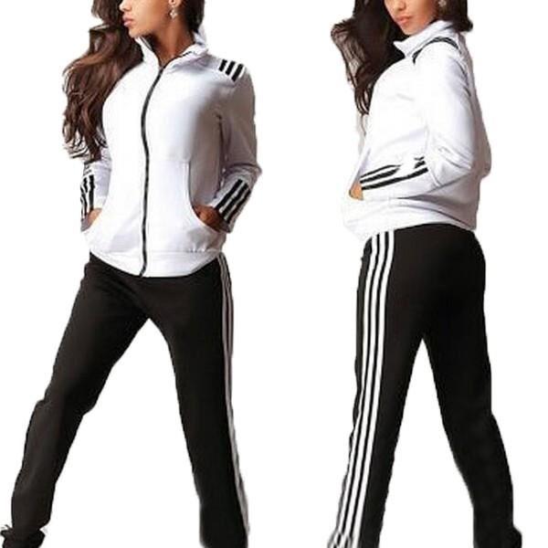 Vente de tenue de sport femme nike pas cher Soldes e02ede5a063